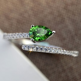 Simple Emerald Beading Women Ring