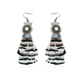 Black & White Gradient Feather Metal Umbrella Shaped Creative Earrings