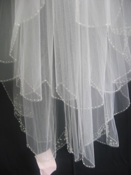 Delightful Elbow Wedding Bridal Veil with Pearl Trim Edge