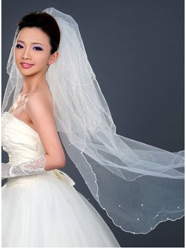 Faddish Elbow Wedding Veil With Pearls Decorate Edge