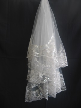 Fantastic Fingertip Wedding Veil With Seuqins Lace Applique Edge