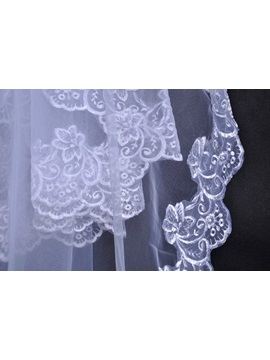 Charming Fingertip Lace Trim Edge White Bridal Veil