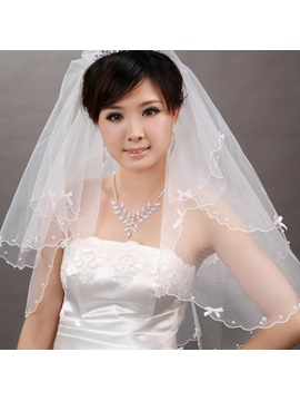 Lovely Fingertip Wedding Bridal Veil with Bowknot Beads