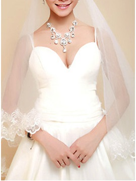Waltz Wedding Bridal Veil with Lace Appliques Edge