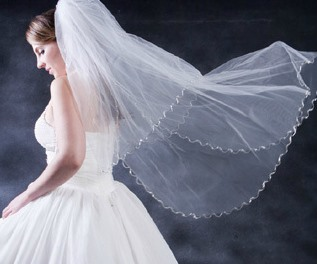 Faddish Waltz Length White Tulle With Lace Wedding Veil