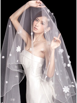 Luxurious Flowers Loving Heart Wedding Veil