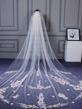 Attractive One Layer Appliques Wedding Veil
