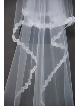 Attractive Cathedral Wedding Veil with Lace Applique Edge