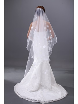 Enchanting Waltz Tulle Wedding Brail Veil