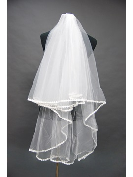 Delightful Fingertip Wedding Bridal Veil with Lace Applique Edge