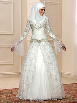 Beaded Appliques Long Sleeve Muslim Wedding Dress