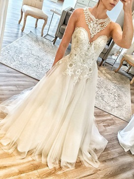 Round Neck Appliques Beading Wedding Dress 2019