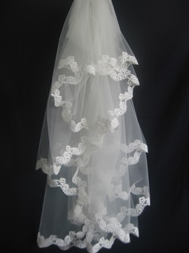 Fancy Elbow Wedding Veil with Applique Edge