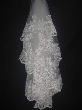 Faddish Inexpensive Elbow Wedding Veil With Lace Applique Edge