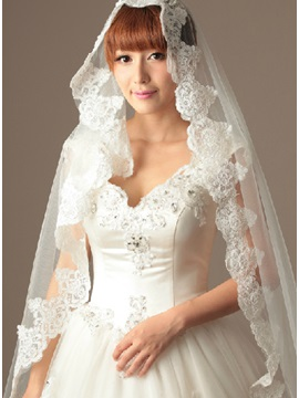 Cathedral Length Wedding Veil with Applique Edge
