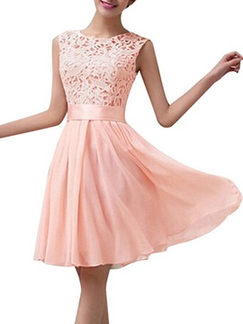Lovely A-Line Knee Length Lace Top Chiffon Bridesmaid Dress