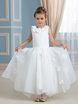 Lovely Flowers Embellishing Flower Girl Dress