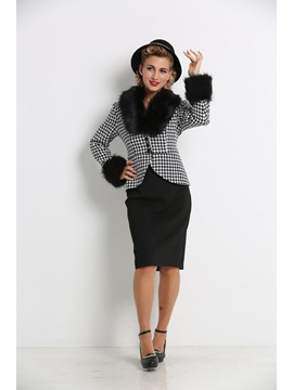 Plaid Jacket and Plain Skirt Women's Suit