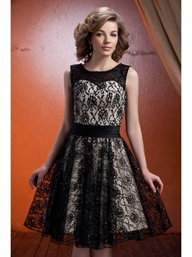 Graceful Lace A-Line Scoop Neckline Knee-Length Mother of The Bride Dress & romantic Mother of the Bride Dresses