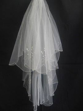 Chic Elbow Wedding Bridal Veil with Beaded Floral Motif Edge