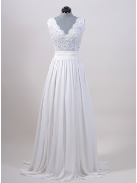Eye-catching Beaded Lace Appliques V-Neck White Plus Size Wedding Dress & casual Wedding Dresses