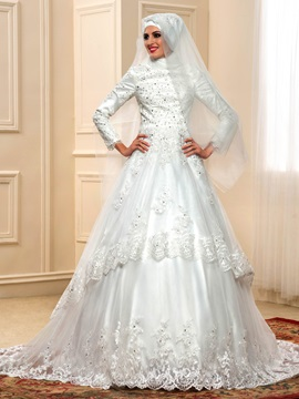Long Sleeve Appliques Beading Muslim Wedding Dress