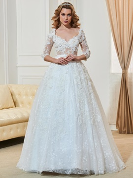 Vintage V-Neck Flowers Ball Gown Lace Wedding Dress