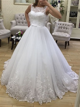 Delicate Straps Appliques Ball Gown Wedding Dress