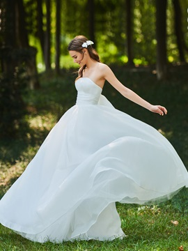 Strapless Pleats A-Line Garden Wedding Dress