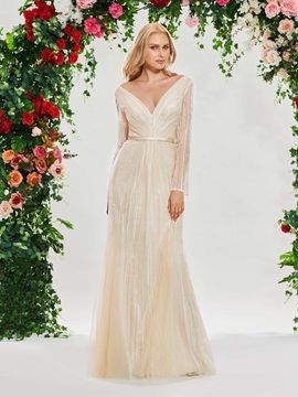 V-Neck Sheath Lace Wedding Dress with Long Sleeve