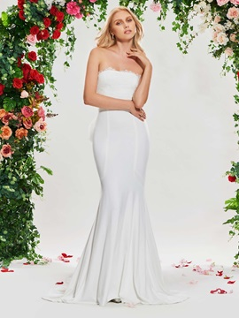 Strapless Lace Top Watteau Train Wedding Dress