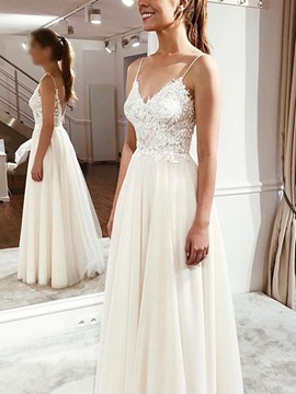Appliques Spaghetti Straps Beach Wedding Dress 2019