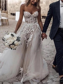 Sweetheart A-Line Appliques Outdoor Wedding Dress 2019