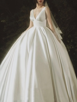 Empire Waist V-Neck Court Train Hall Wedding Dress 2020