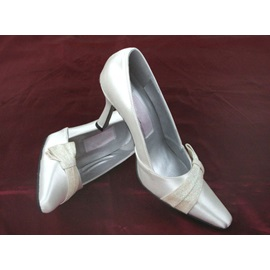 Point Toe Low Heel Plus Size Wedding Shoes