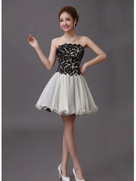 Delicate A-Line Lace Strapless Short-Length Homecoming Dress
