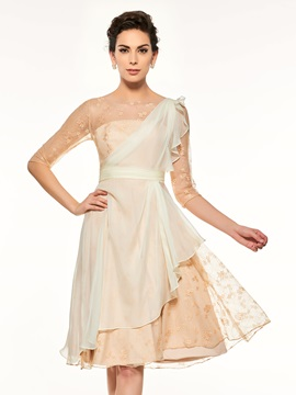 Modern Lace Half Sleeves Knee-Length Mother of the Bride Dress