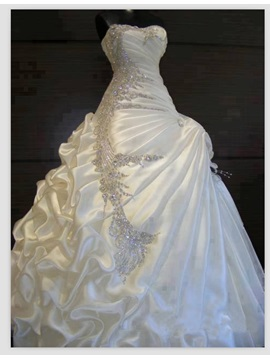 Exquisite Beaded Sweetheart Crystal Ball Gown Pick-ups Wedding Dress