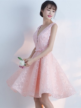 A-Line Bowknot Lace V-Neck Sashes Homecoming Dress