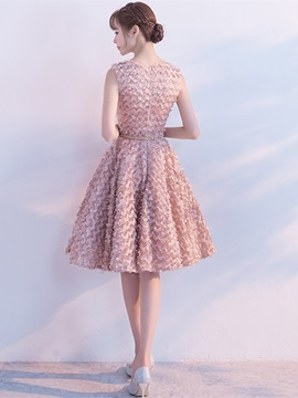 Sweet Scoop A-Line Lace Sashes Finished Fabric Knee-Length Homecoming Dress