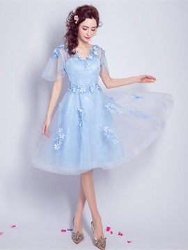 Lovely A-Line Appliques Flowers Lace Pearls V-Neck Knee-Length Homecoming Dress