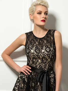 Delicate Jewel Neck Sashes Black Lace Knee-Length Cocktail Dress