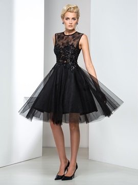Hot Jewel Neck Lace Sequined Knee-Length Cocktail Dress