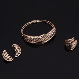 European Hollow Golden Four Pieces Jewelry Set