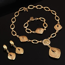 Golden Plated Geometric Pendant Women Jewelry Set