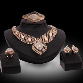 Gold Plated Hollow Out Jewelry Set