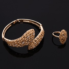 Gold Wheat Shaped Four Pieces Jewelry Set