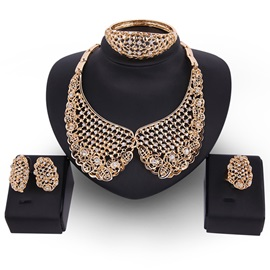 Golden E-Plating Diamante Hollow Out Jewelry Set