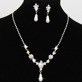 Imitation Pearl Rhinestone Pendant Necklace Earrings Jewelry Set