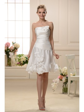 Elegant Knee-Length Floral-Appliques Strapless Bridesmaid Dress